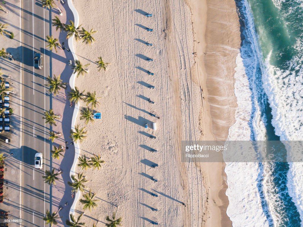 Fort Lauderdale Beach at sunrise from drone point of view : Foto de stock