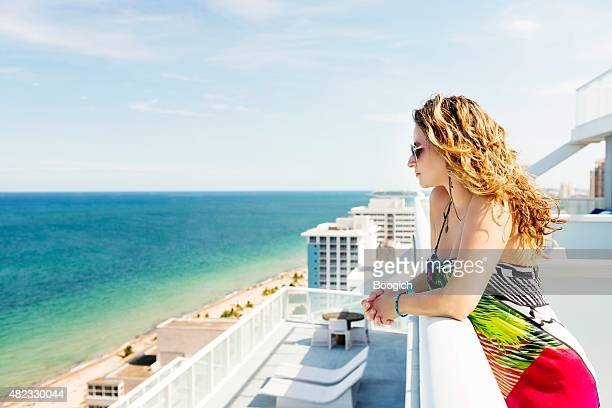 fort lauderdale beach woman enjoying scenic view vacation travel destination - fort lauderdale stock pictures, royalty-free photos & images