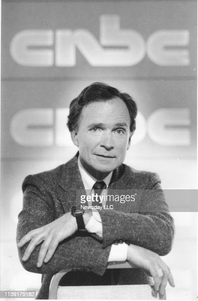 Television host Dick Cavett poses before interviewing a guest on his new show for CNBC on April 13 1989 in Fort Lee New Jersey