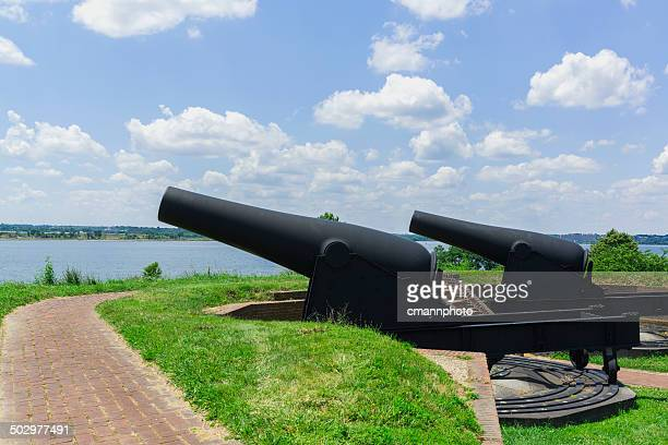 Fort McHenry - Cannons