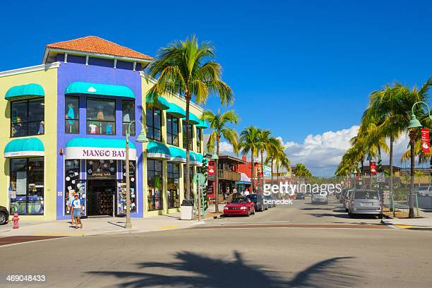 fort myers beach shopping district, florida - fort myers beach stock pictures, royalty-free photos & images