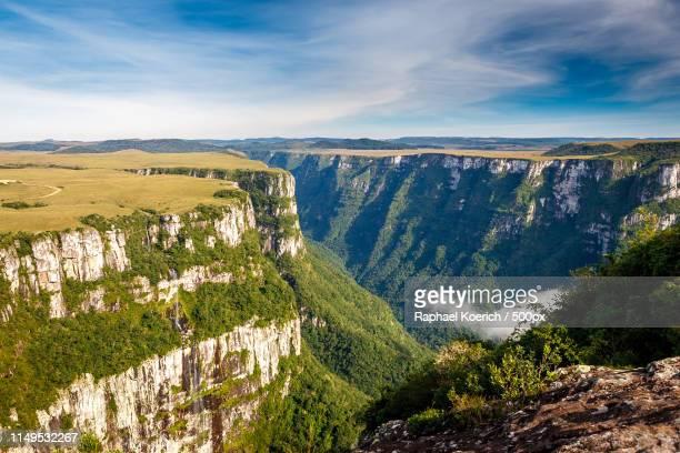 fortaleza canyons - リオグランデドスル州 ストックフォトと画像