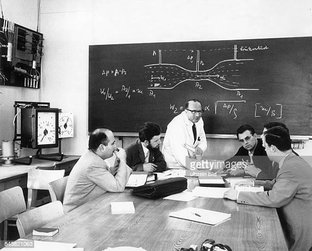 Fortbildung in einem FrankfurterGroßbetrieb ca 1971Fotograf Rudolf Dietrich