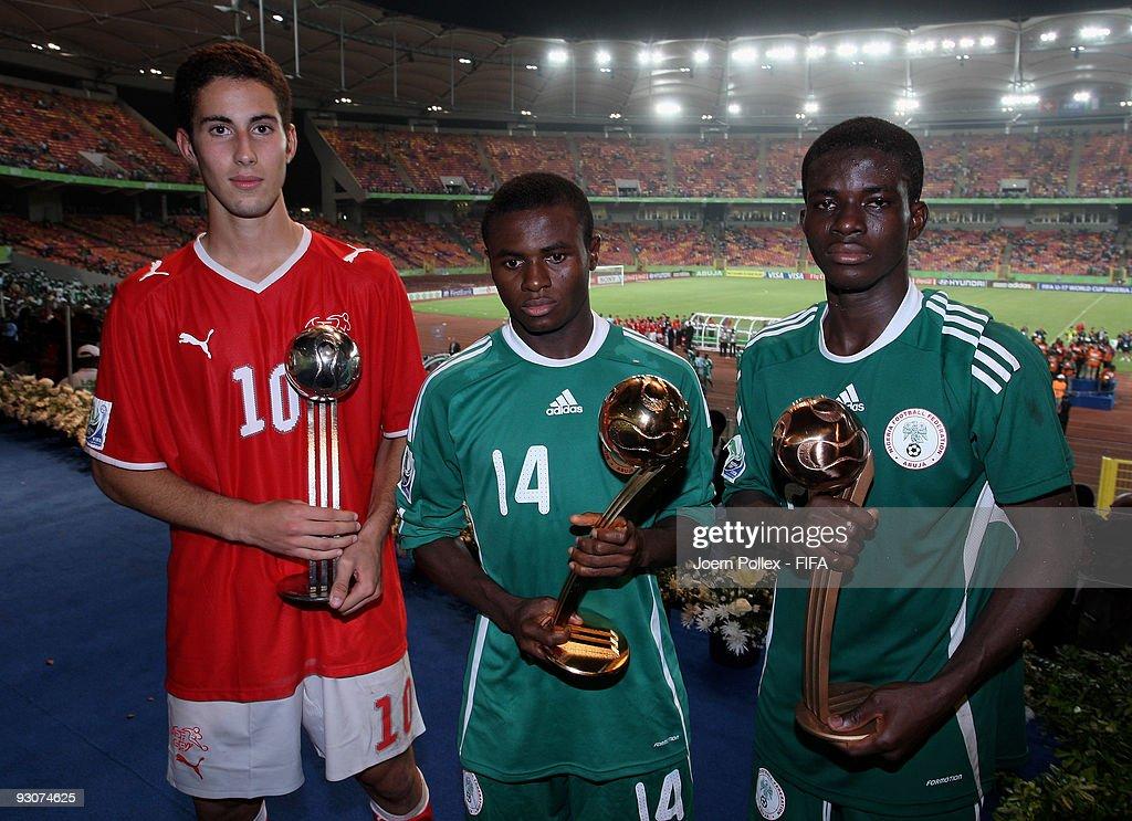 Switzerland v Nigeria - FIFA U17 World Cup Final : Foto jornalística