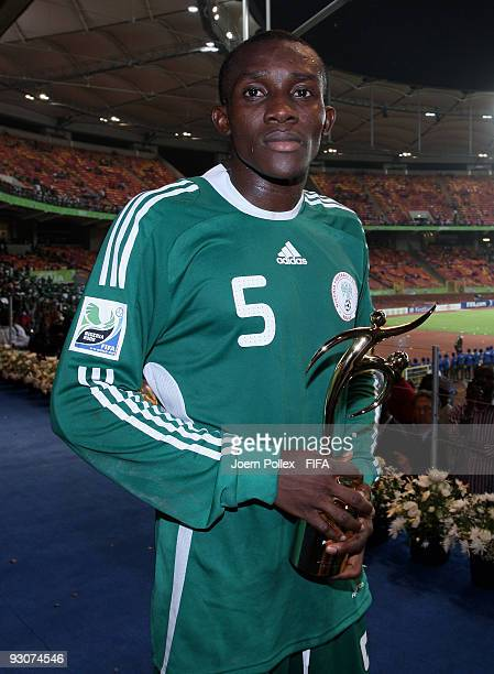 Fortune Chukwudi of Nigeria poses with the Fair Play Award after the FIFA U17 World Cup Final between Switzerland and Nigeria at the Abuja National...