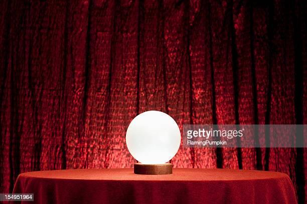 Voyant la Boule de cristal. XXXL