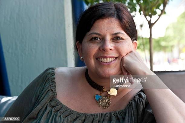 Quarante-Une femme hispanique