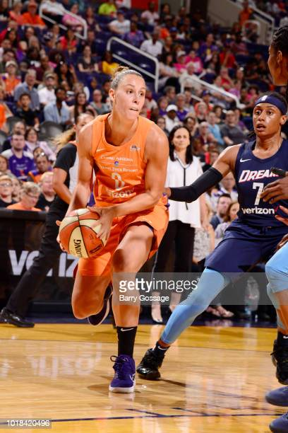 Forward Angel Robinson of the Phoenix Mercury jocks for a position during the game against guard Brittney Sykes of the Atlanta Dream on August 17...