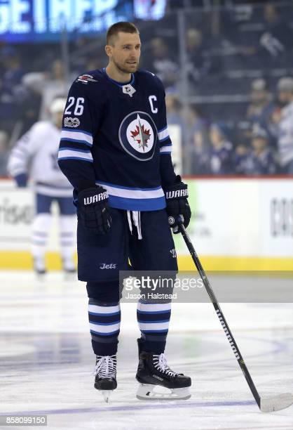 Forward Blake Wheeler of the Winnipeg Jets warms up before NHL action against the Toronto Maple Leafs on October 4 2017 at the Bell MTS Place in...