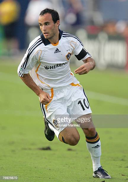 Forward Landon Donovan of the Los Angeles Galaxy moves for the ball against FC Dallas during SuperLiga play on July 31, 2007 at Pizza Hut Park in...