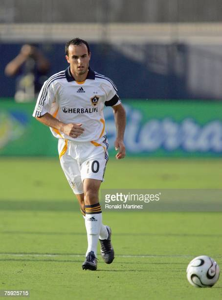 Forward Landon Donovan of the Los Angeles Galaxy passes the ball against FC Dallas during SuperLiga play on July 31, 2007 at Pizza Hut Park in...