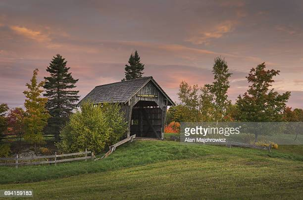 foster covered bridge, vermont - covered bridge stock pictures, royalty-free photos & images