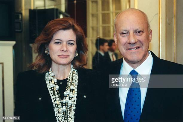 Foster Sir Norman Robert *Architekt GB mit seiner Ehefrau Elenna Ochoa