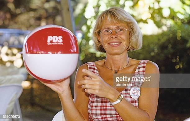 Angelika Gramkow die Vorsitzende hat Aussichten den Wahlkreis direkt zu gewinnen Schwerin 10 08 1998