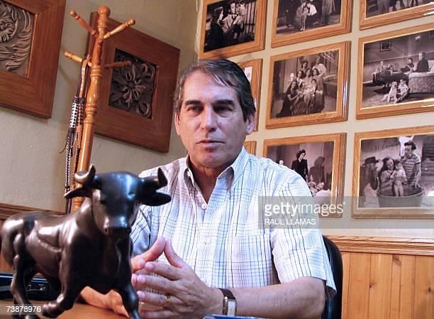 Foto de Emilio Giron Fernandez tomada el 31 de marzo de 2007 en la ciudad de Nuevo Laredo al norte de Mexico Fernandez recuerda como 'un clasico del...