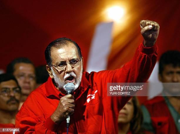 Foto de marzo de 2004 del emblematico ex jefe guerrillero del Frente Farabundo Marti para la Liberacion Nacional Shafick Handal de 75 años...