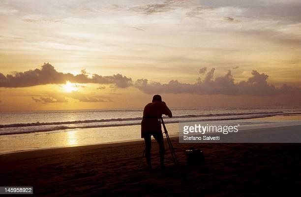 Fotografia del tramonto sull'oceano indiano