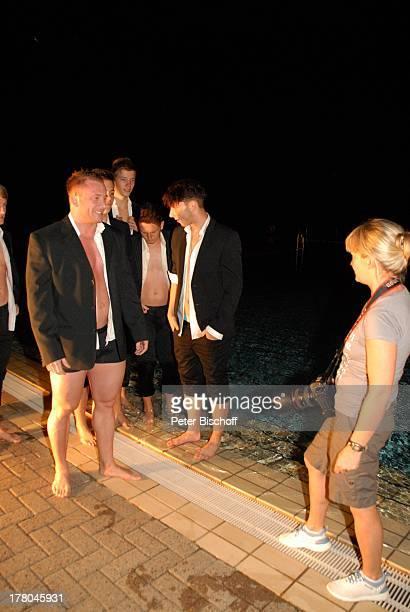 Fotografin Sonja Inselmann mit männlichen Models Produktion für Foto aus SWAktKalender tonArt 60 x 70 cm 250 Gramm KunstdruckPapier Monat Juli...