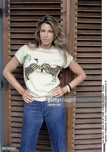 Fotomodell, Modeschöpferin, D, im T-shirt mit zwei bockenden Zebras, um 1980