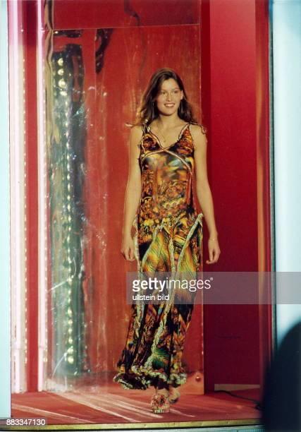 Fotomodell Schauspielerin Frankreich Auftritt in der Fernsehsendung 'Wetten dass'