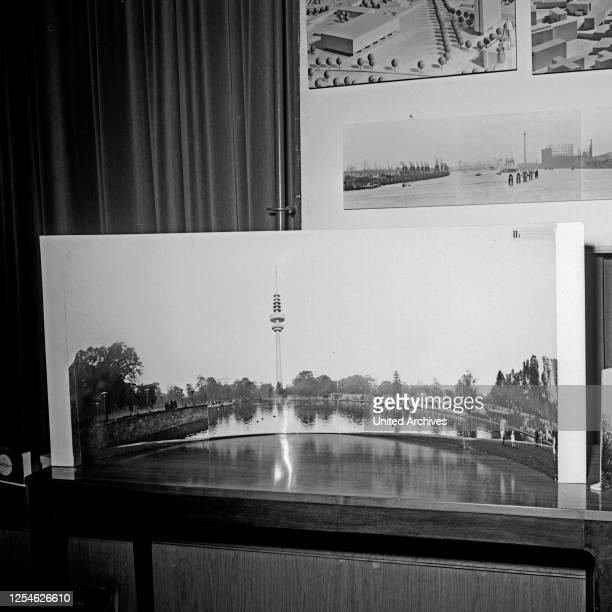 Fotomontage bei der Ideenfindung zur Planung zum Bau des Fernmeldeturms in Hamburg, Deutschland 1960er Jahre.