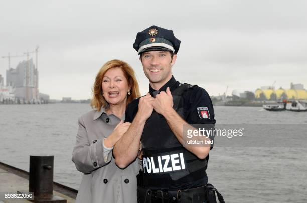 Fototermin von Notruf Hafenkante_Einmal Traumschiff St Pauli Landungsbrücken / Brücke 10 Heide Keller ermittelt im Hamburger Hafen Heide Keller und...