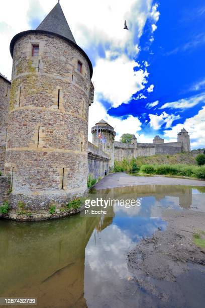 Fougeres Dating Site.