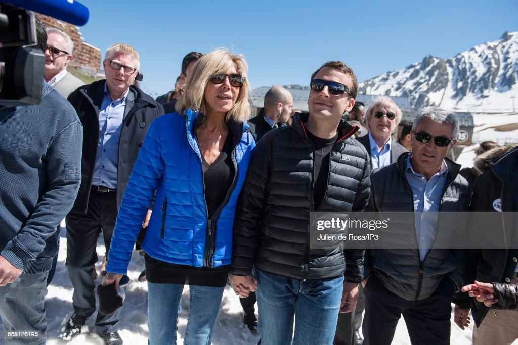 French Presidential Candidate Emmanuel Macron Visits Bagneres-de-Bigorre : News Photo