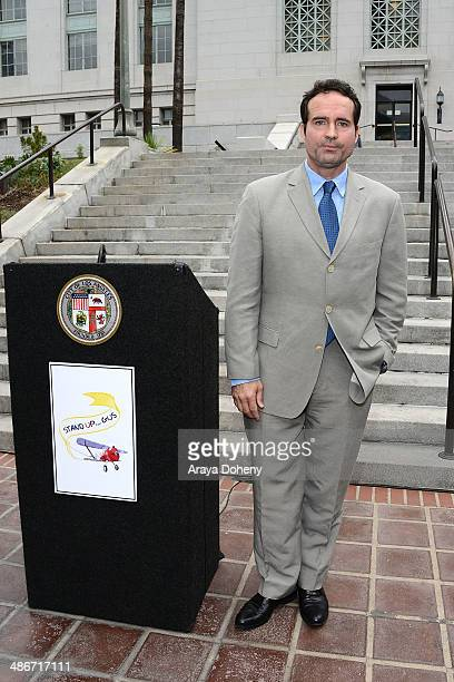 Founder of Stand Up For Gus actor Jason Patric speaks at the Stand Up For Gus press conference on the South lawn of the Los Angeles City Hall at Los...