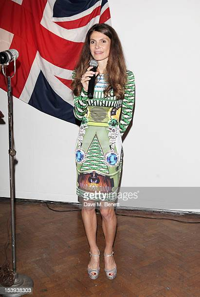 Founder of the Emdash Foundation Andrea Dibelius speaks at a private dinner hosted by Matthew Slotover and Amanda Sharp to celebrate the Frieze...