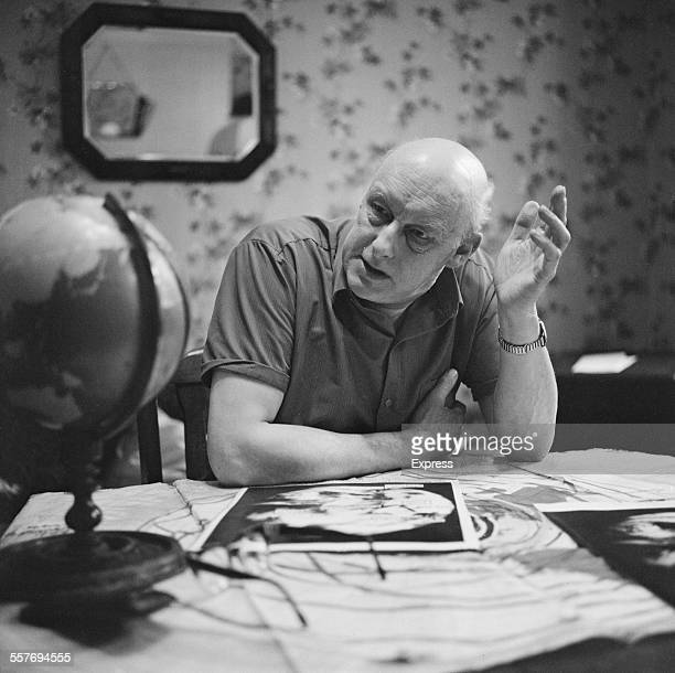 Founder of the International Flat Earth Research Society Samuel Shenton 15th August 1967 Photo by Kent Photo News /Express/Hulton Archive/Getty Images