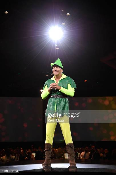 Founder of The Robin Hood Foundation, Paul Tudor Jones speaks on stage during The Robin Hood Foundation's 2018 benefit at Jacob Javitz Center on May...