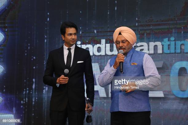 Founder of YU Televentures and the cofounder of Micromax Informatics Rahul Sharma and General Joginder Jaswant Singh during the Hindustan Times Game...