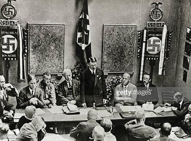 Founding of the Nazi Party in Munich 1925 From left Rosenberg Buch Schwarz Hitler Gregor Strasser Himmler Lower right Julius Streicher Photograph