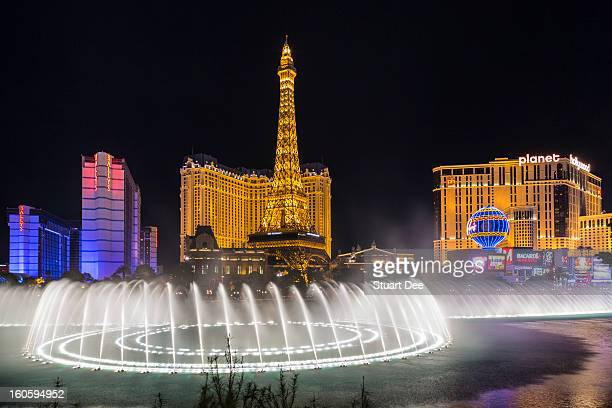 fountain and the strip, las vegas, usa - fountain stock pictures, royalty-free photos & images