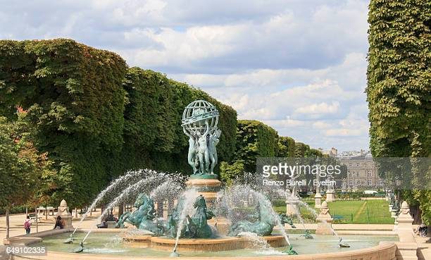 Fountain At Le Jardin Du Luxembourg