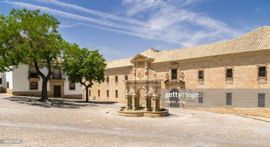 Fountain Fuente de Santa Maria in front of University, Universidad Internacional de Andalucia, Plaza de Santa Maria, Baeza, UNESCO World Heritage Site, Andalusia, Spain : Stock Photo