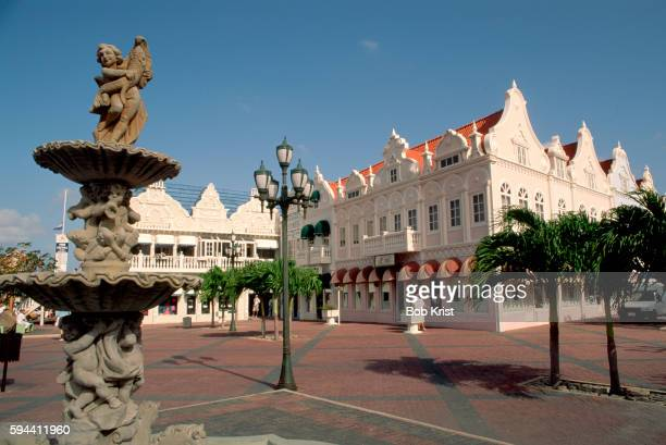 fountain in plaza at oranjestad - oranjestad stockfoto's en -beelden