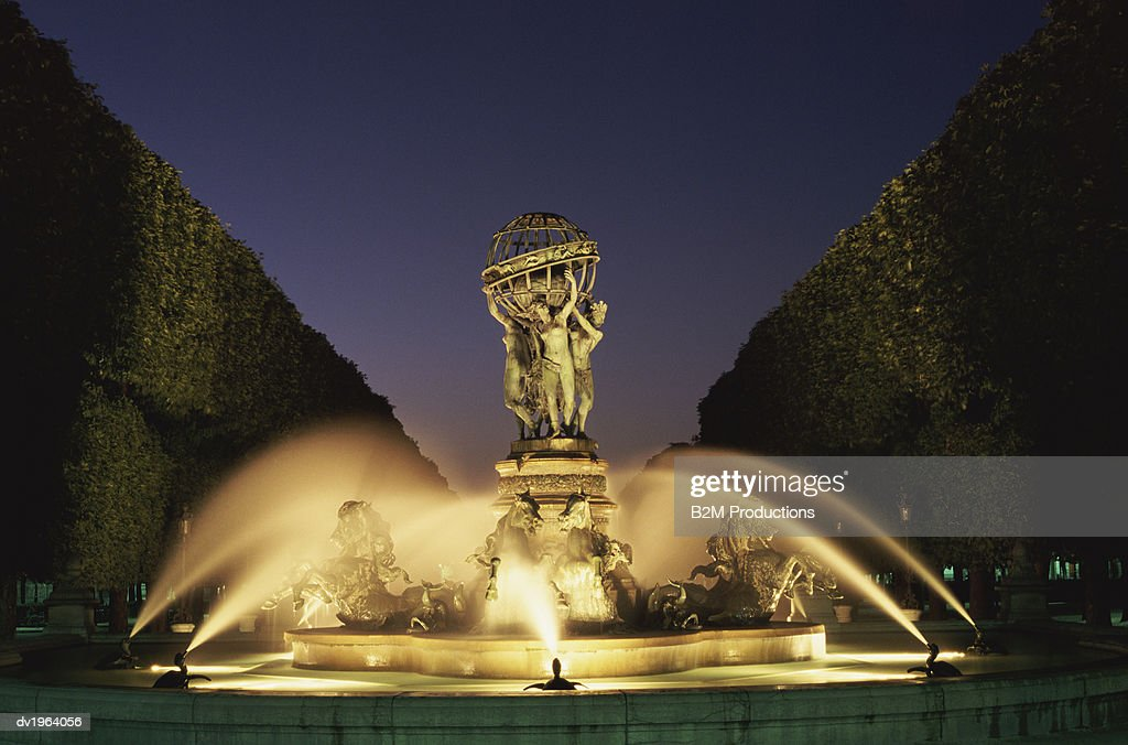 Fountain of the Four Corners of the Globe, Luxembourg Gardens, Paris : Stock Photo