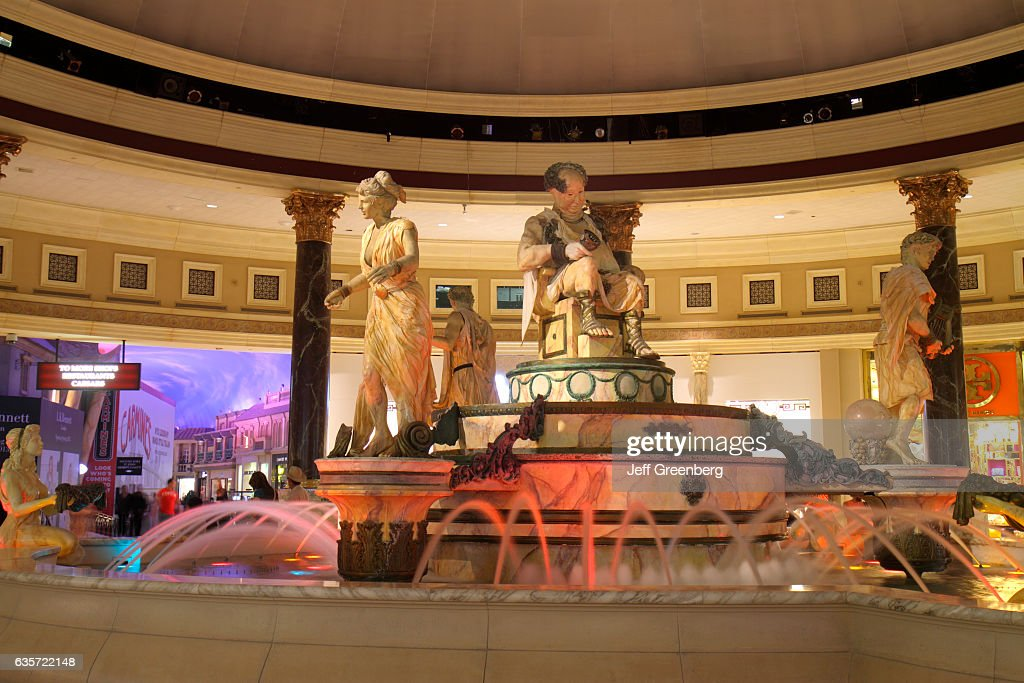 Fountain outside Forum Shops at Caesars Palace  News Photo