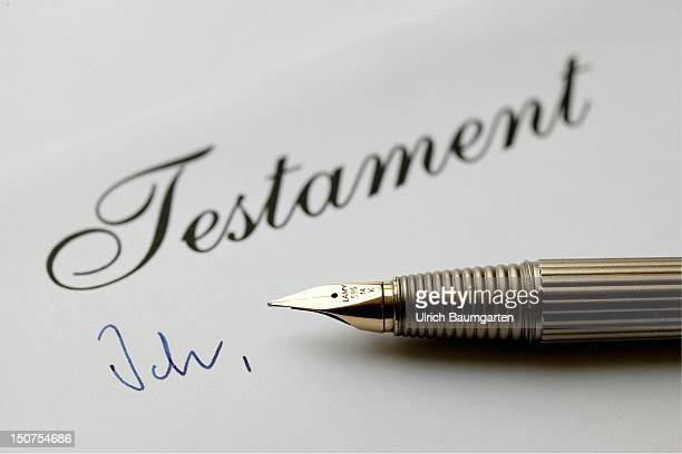 Fountain pen with the writing Testament