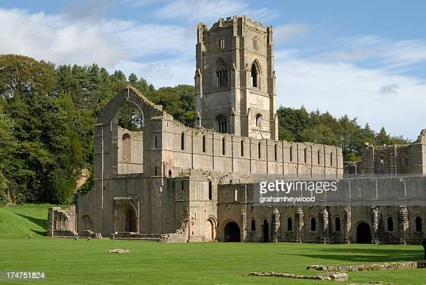 噴水の修道院