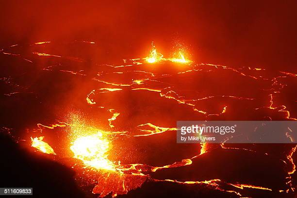 fountains in lava lake - pu'u o'o vent stock pictures, royalty-free photos & images