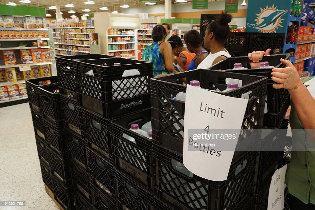 Florida Residents Prepare For Hurricane Matthew As Bears Down On The Bahamas : News Photo