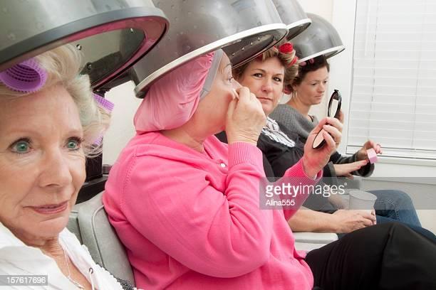 Vier Kunden in einem beauty-salon