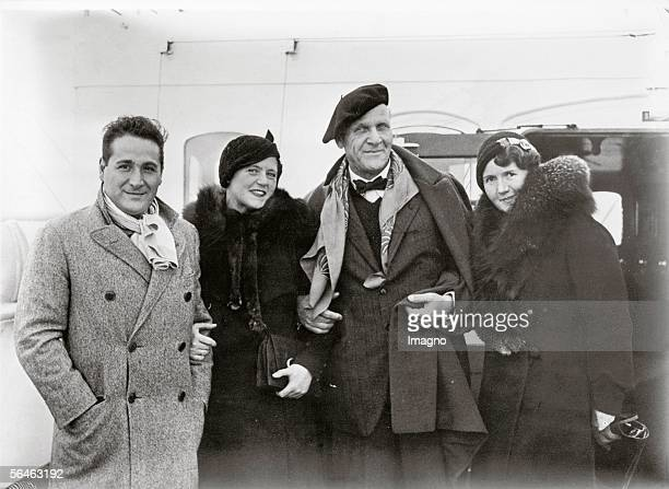 Four famous singers on board of the Bremen They are starting for a concerttour throughout the United States From left to right Giacamo LauriVolpi...