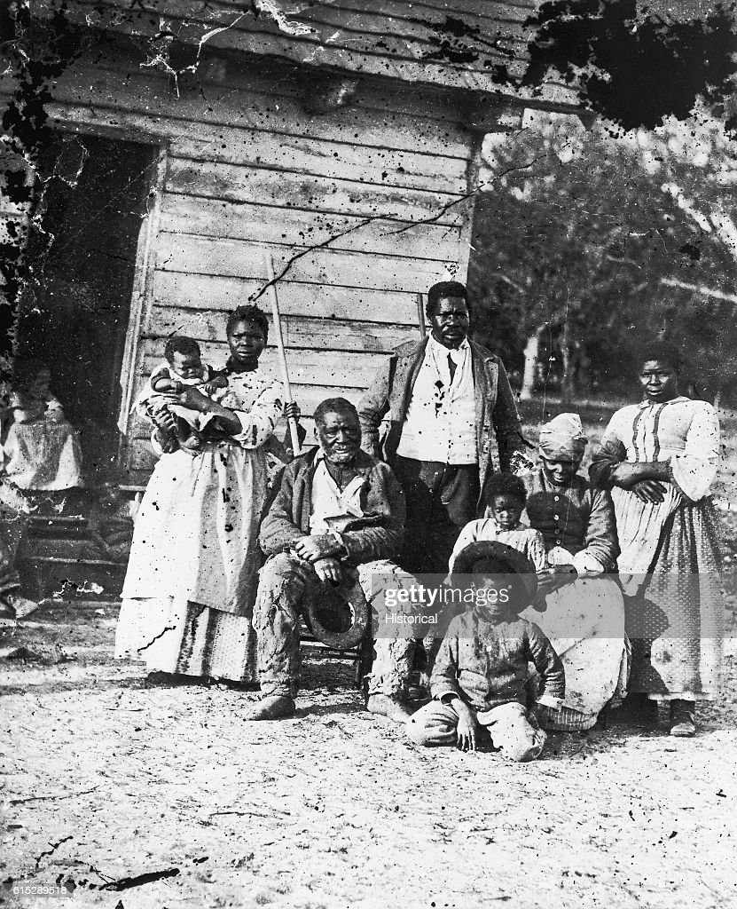 Four Generations of a Black Family of Slaves; Beaufort, South Carolina : News Photo