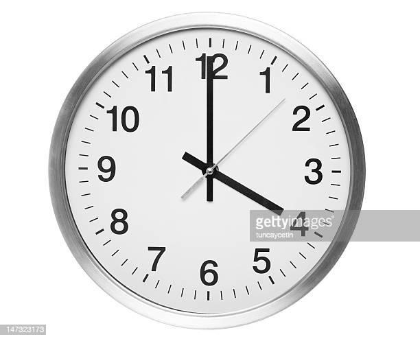 Vier Uhr