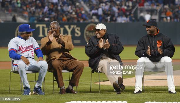Four of the best Major League homerun hitters of all time Montreal Expos manager Frank Robinson Hank Aaron Willie Mays and San Francisco Giant Barry...