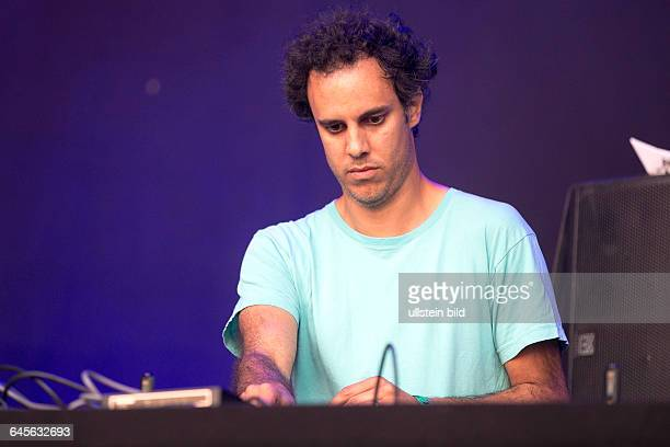 Four Tet aka Kieran Hebden der DJ und Musiker bei einem Konzert beim MS Dockville Festival in HamburgWilhelmsburg vom